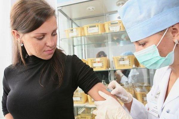 Мобильный пункт консультаций по вакцинации